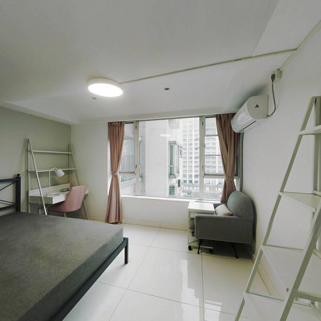 合租·金田花苑 5室1厅 南卧室图