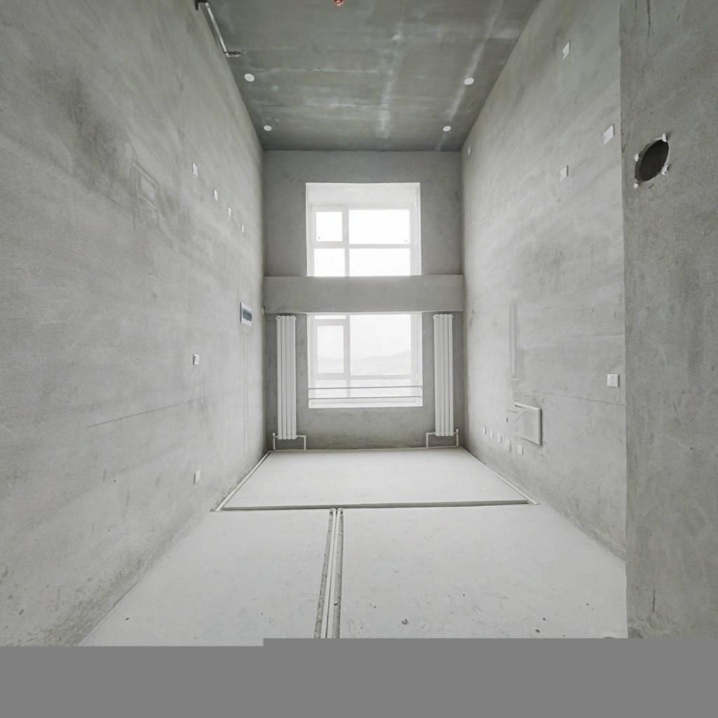 此房是南向,楼层好,视野宽阔,采光充足,配套设施齐