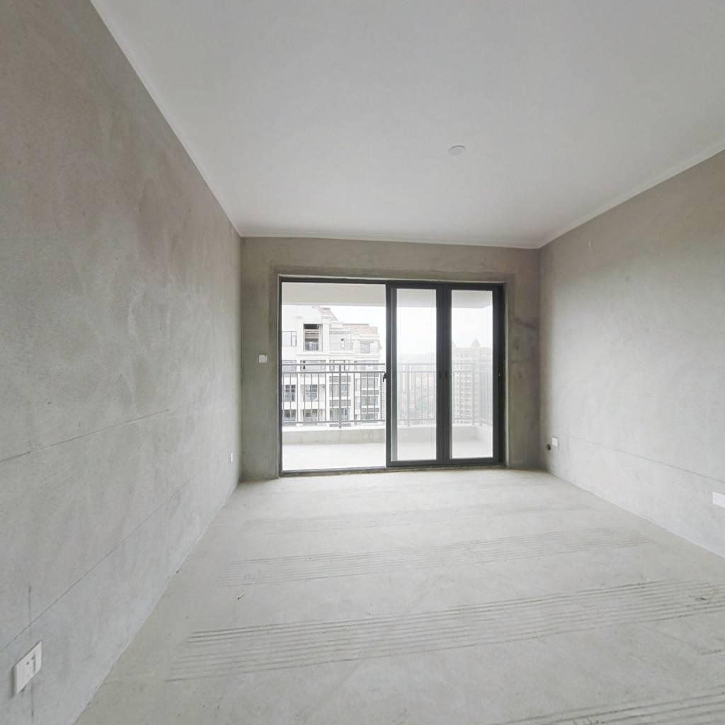 嘉和城布洛可,楼中楼使用面积200多平米,户型方正。