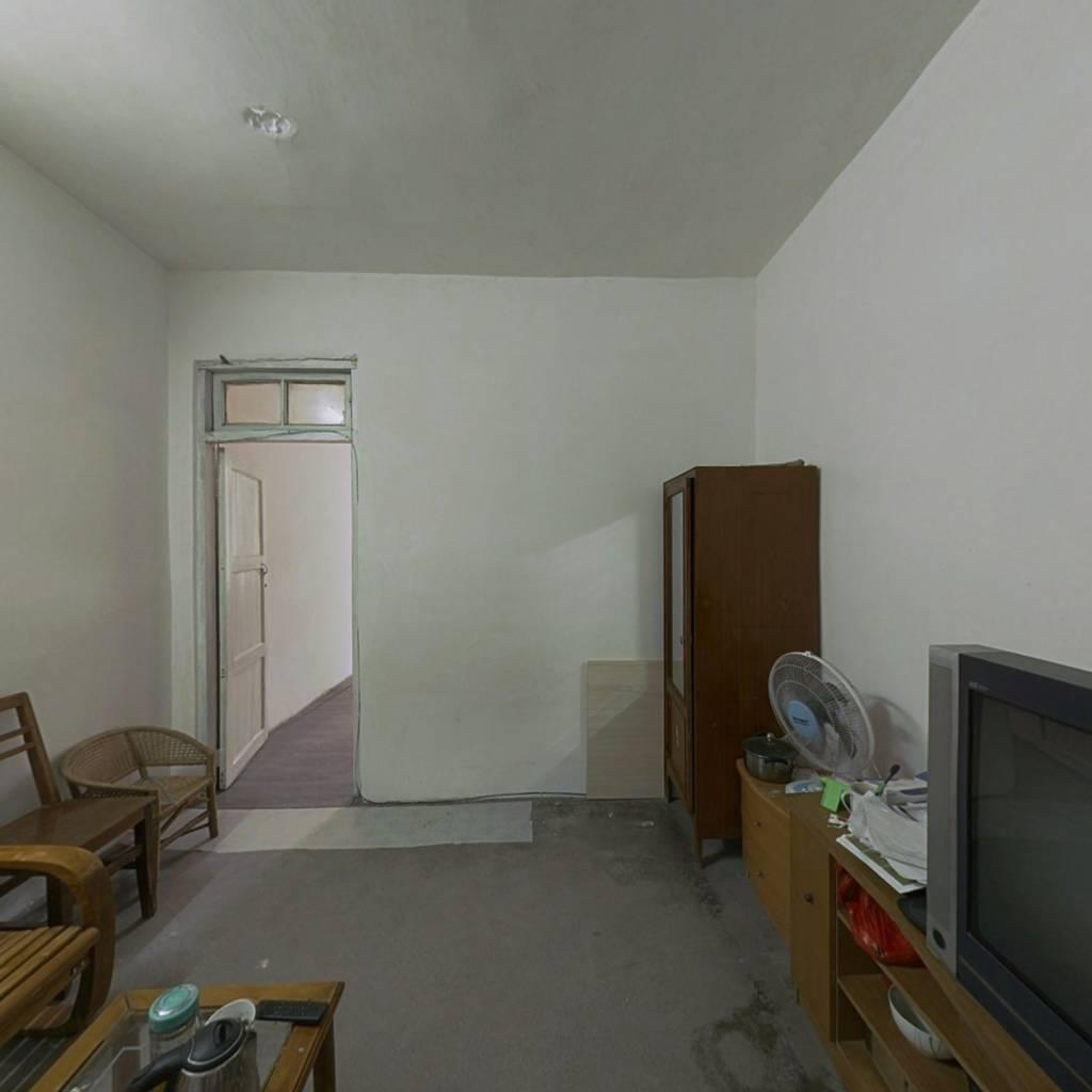 大宇客车厂   两房一厅出售   有小区物业