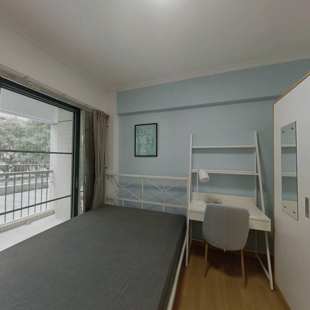 合租·富力广场B区 4室1厅 北卧室图