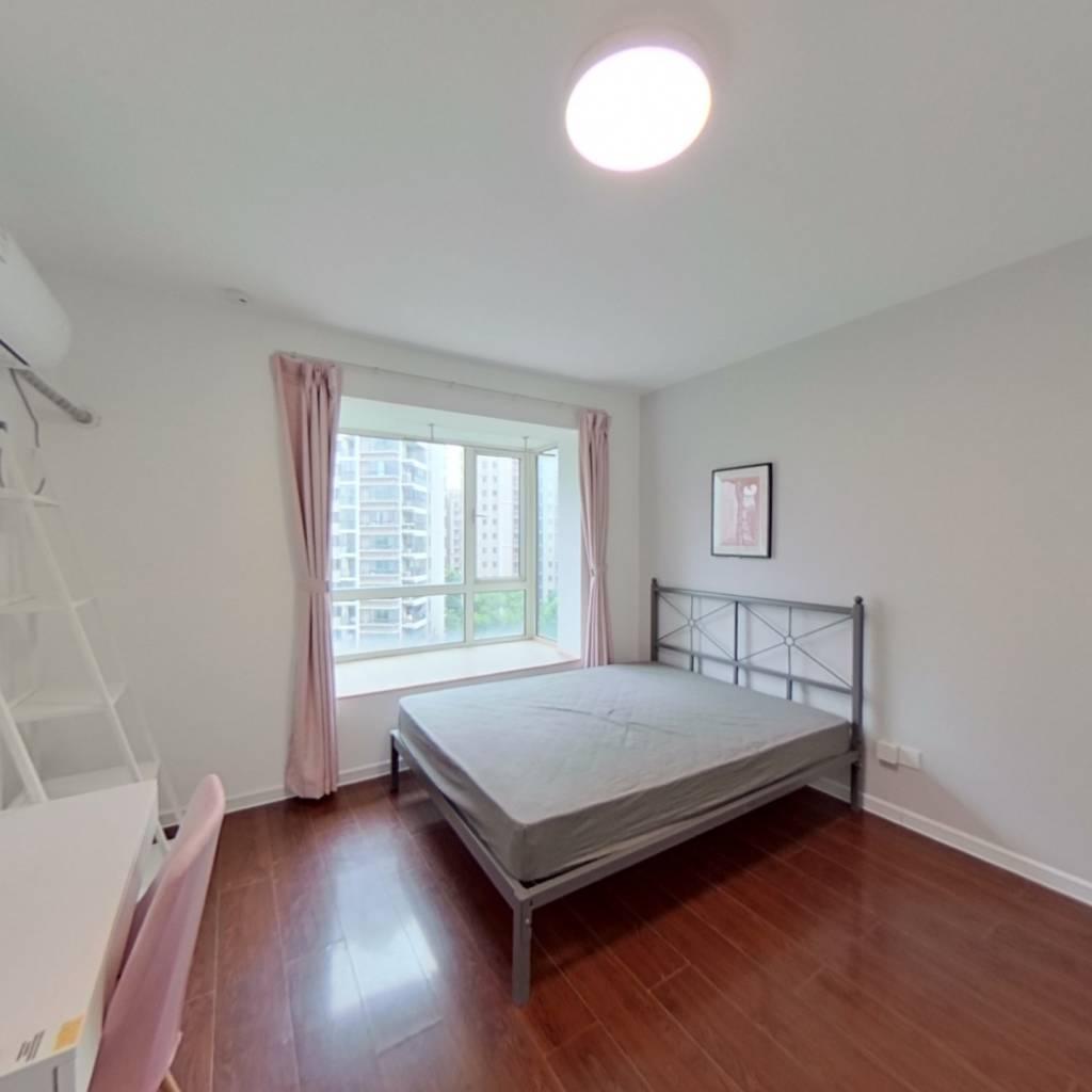 合租·野风海天城 4室1厅 南卧室图