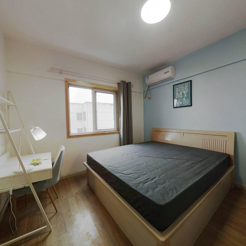 合租·光华馨地 3室1厅 东卧室图