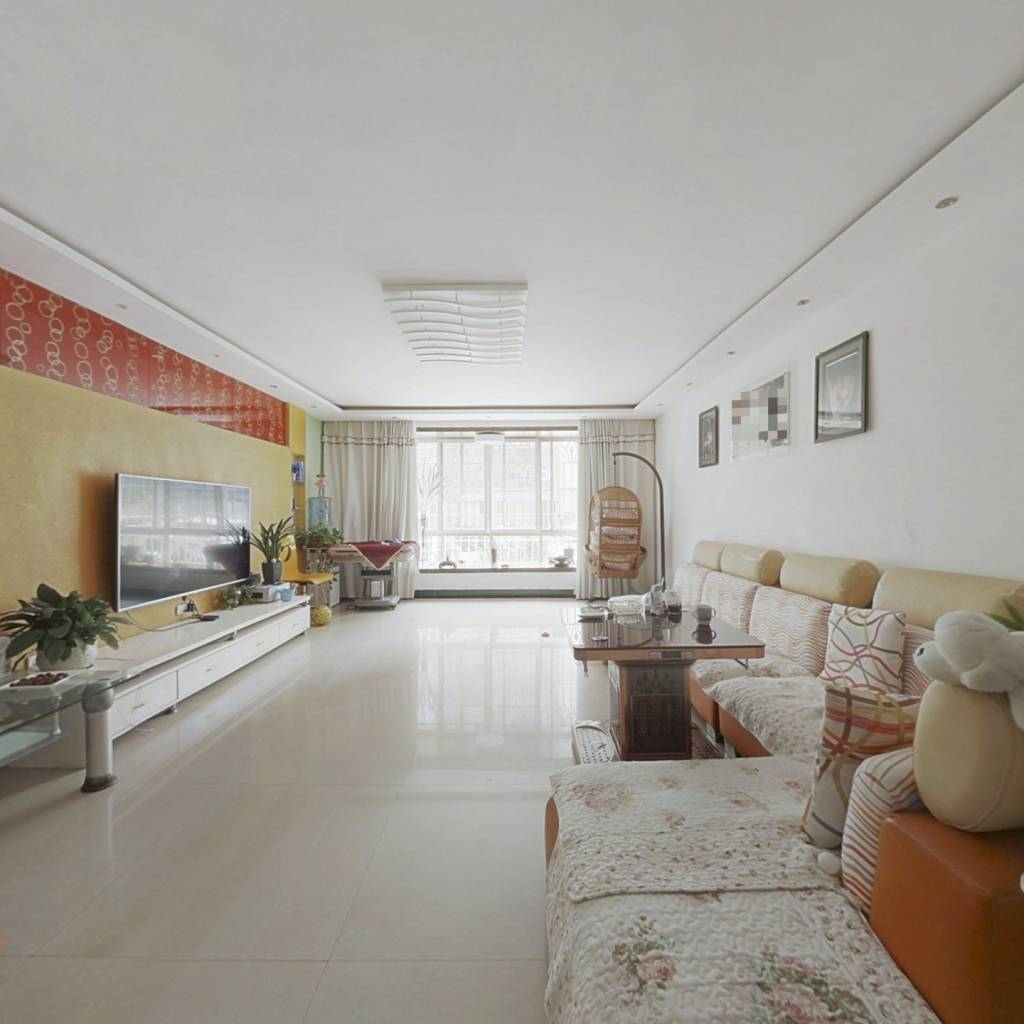 天馨家园三室两厅两卫好房出售产权满两年地低税