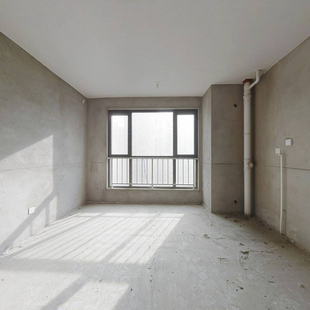 想象国际大三室 毛坯 可按自己风格装修 楼栋位置好