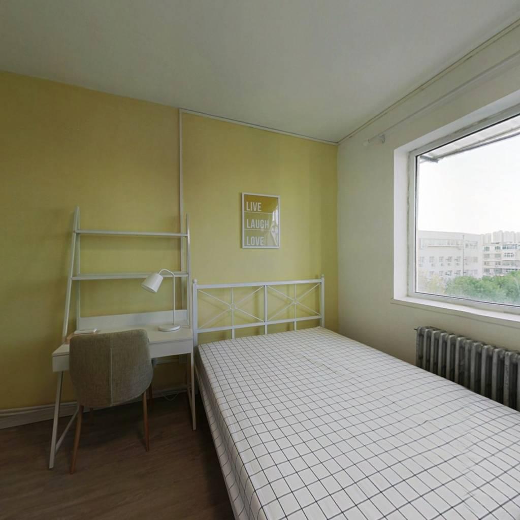 合租·宜宾东里 3室1厅 南卧室图