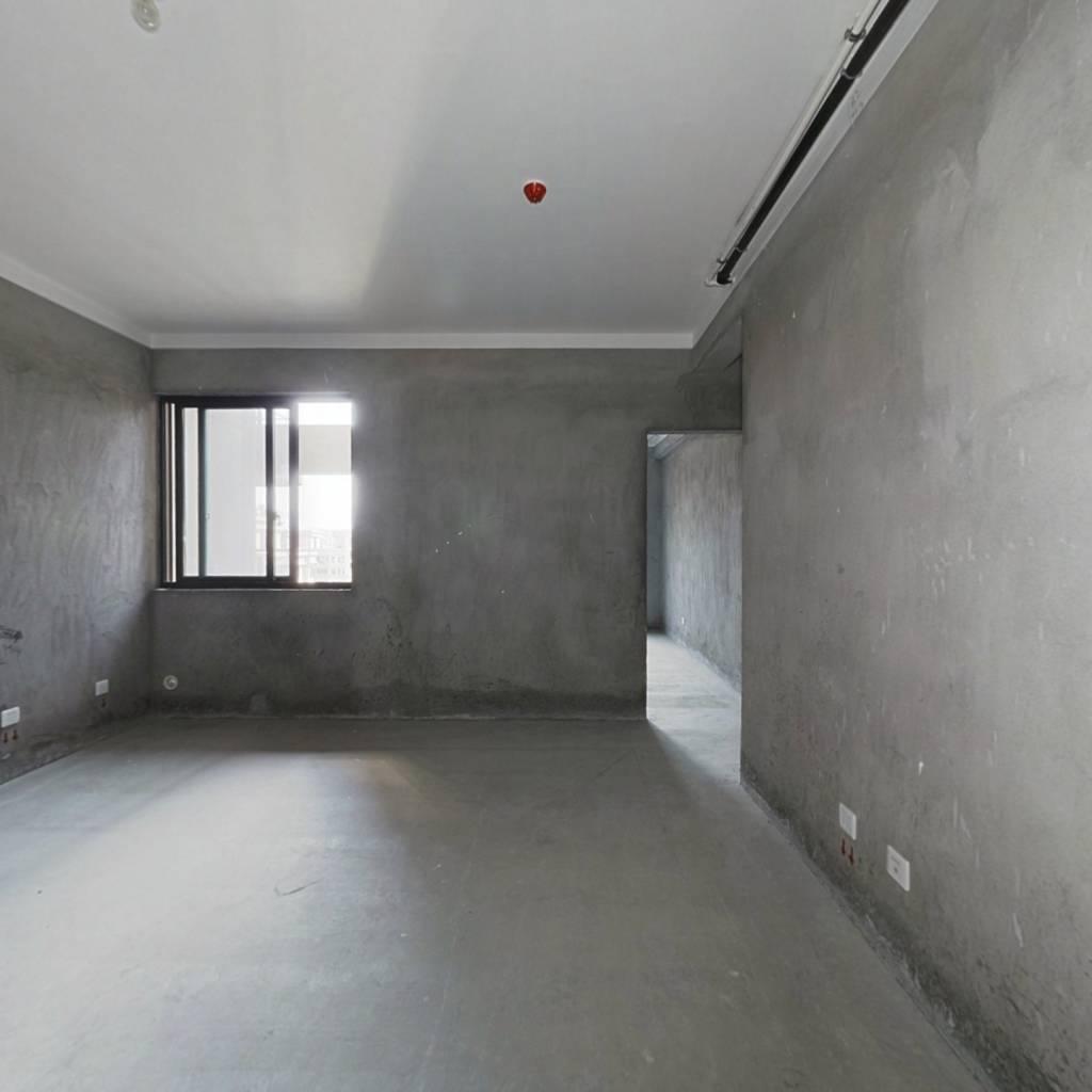 云泰景园 高楼层 小户型三居室  采光佳视野好