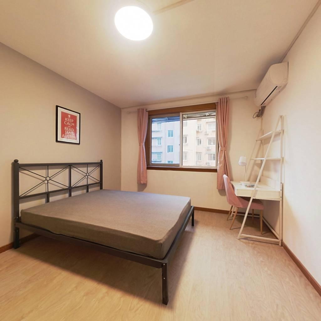 合租·海阳新村 3室1厅 南卧室图