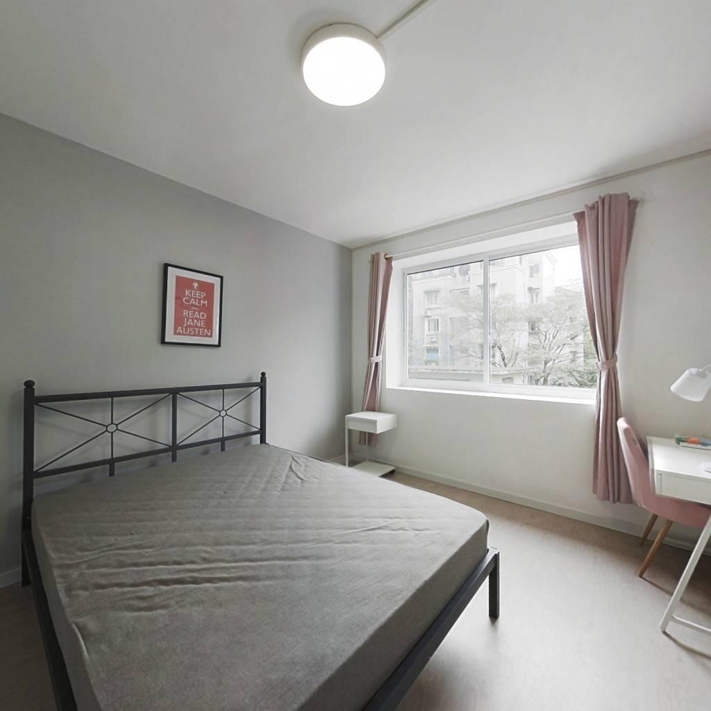 合租·杨南新村 3室1厅 南卧室图