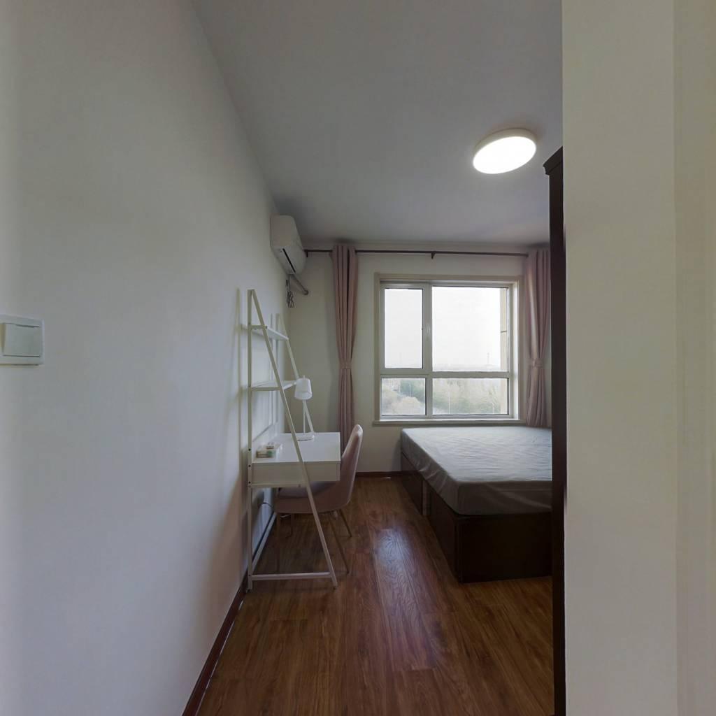 合租·盛庭丽景 4室1厅 南卧室图