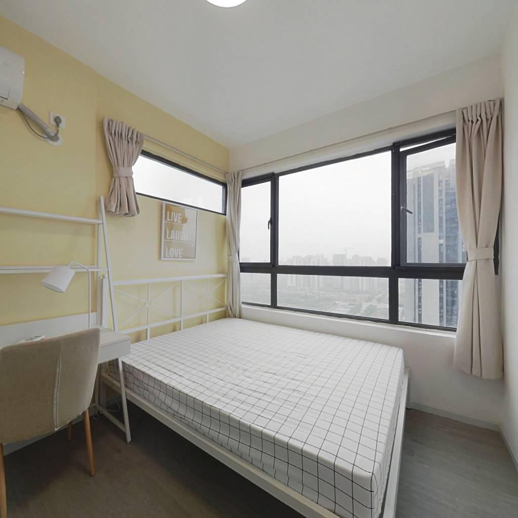 合租·绿地中心云锦468 5室1厅 北卧室图