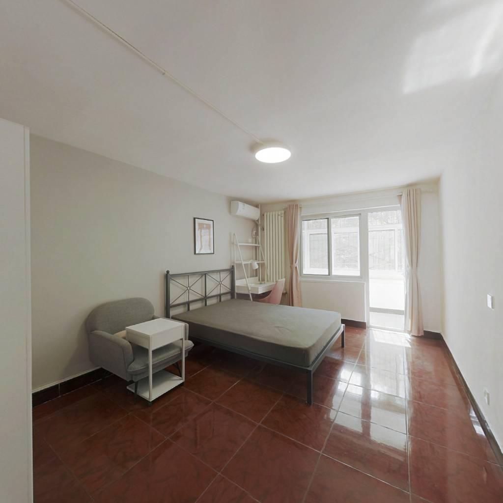 合租·花家地小区 3室1厅 东卧室图
