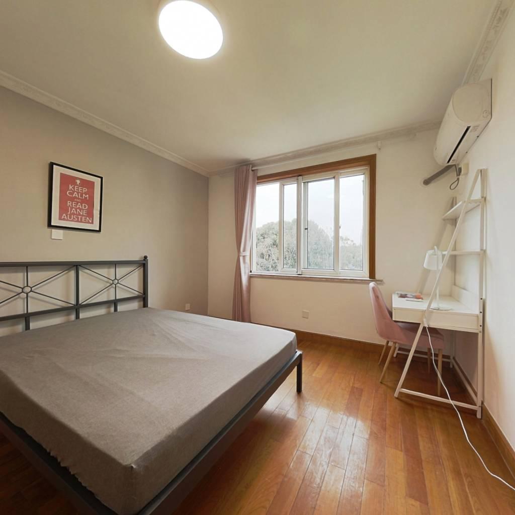 合租·江虹花园 4室1厅 南卧室图