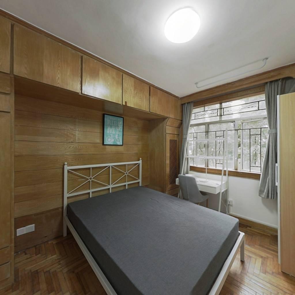 合租·莲花二村 4室1厅 南卧室图