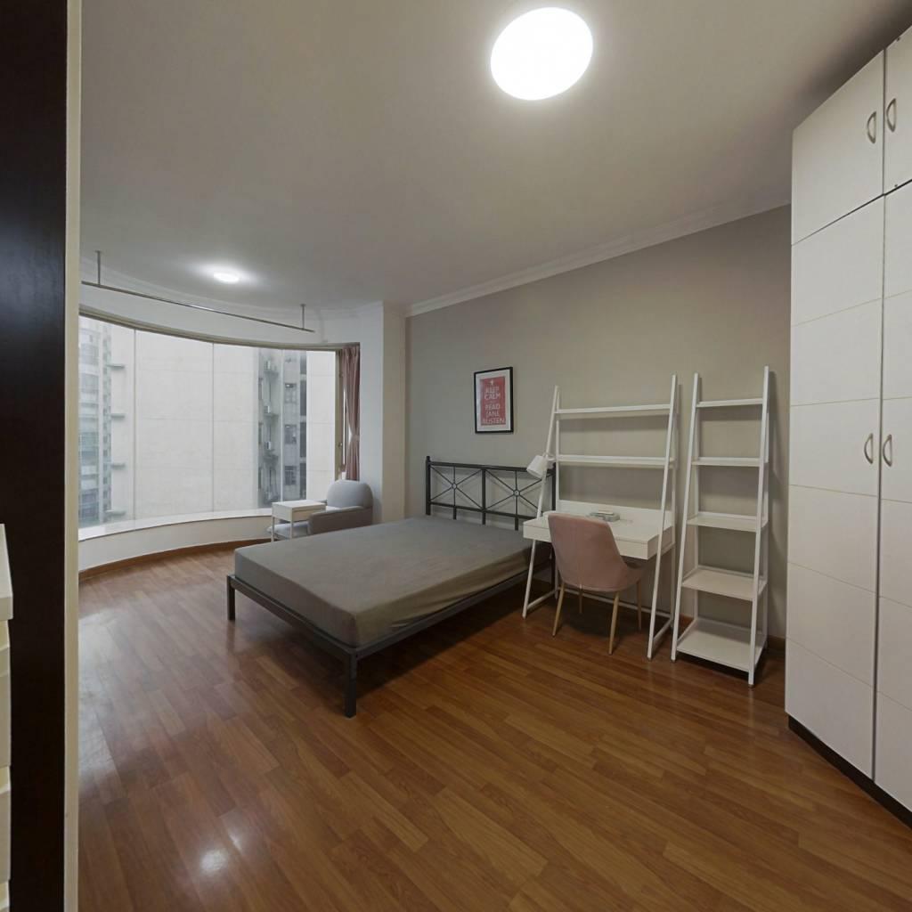 合租·南景园 4室1厅 北卧室图