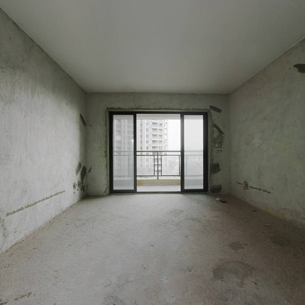 地铁口物业格局好南向实用四房楼层好视野宽阔