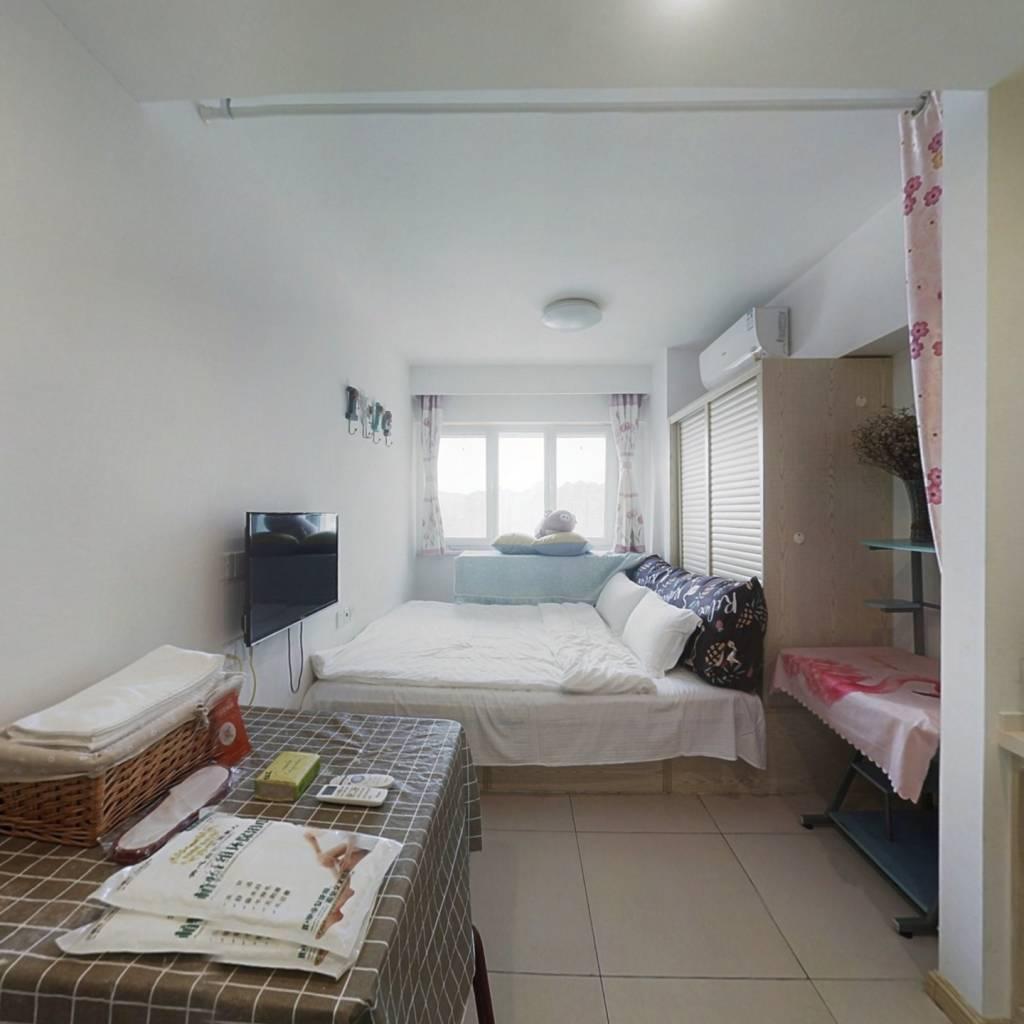 公寓性质一居室,可自主,精装修拎包入住