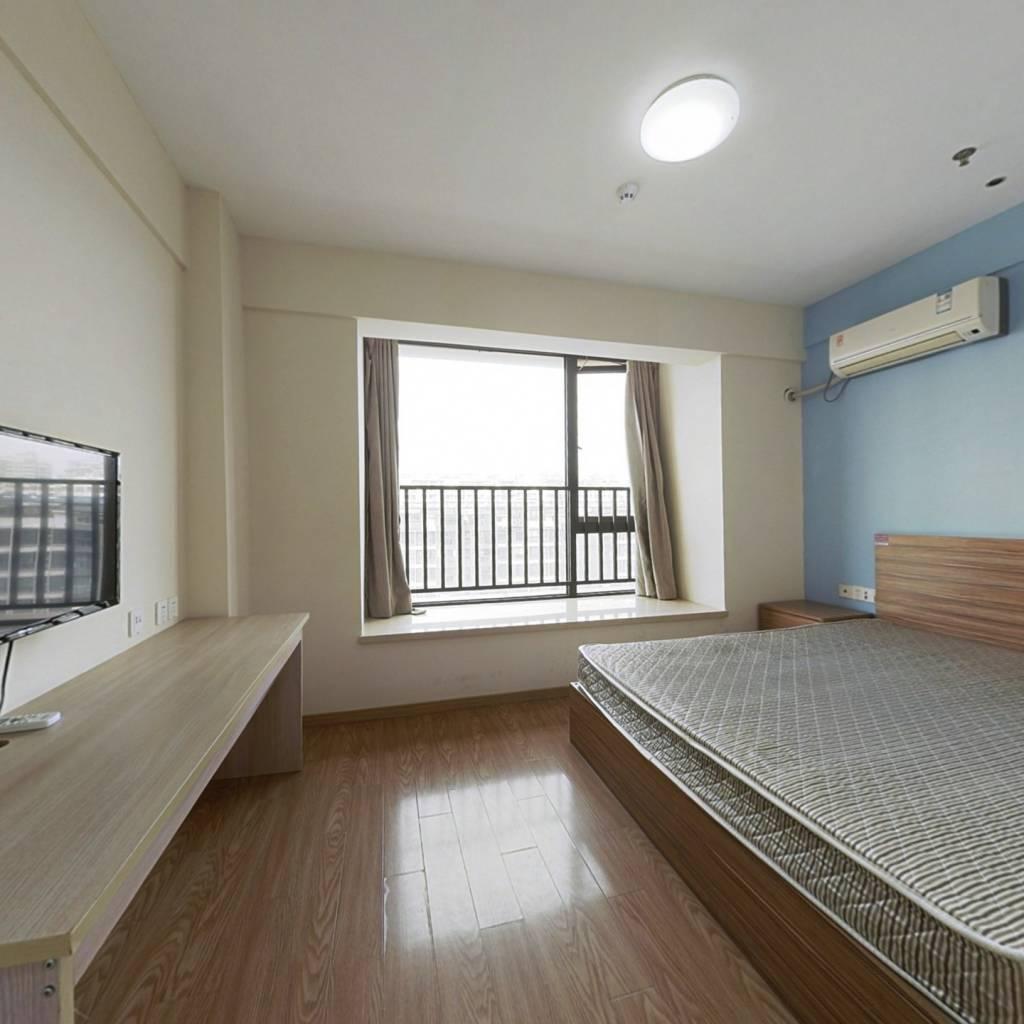 地铁口公寓,看房方便,价格可谈