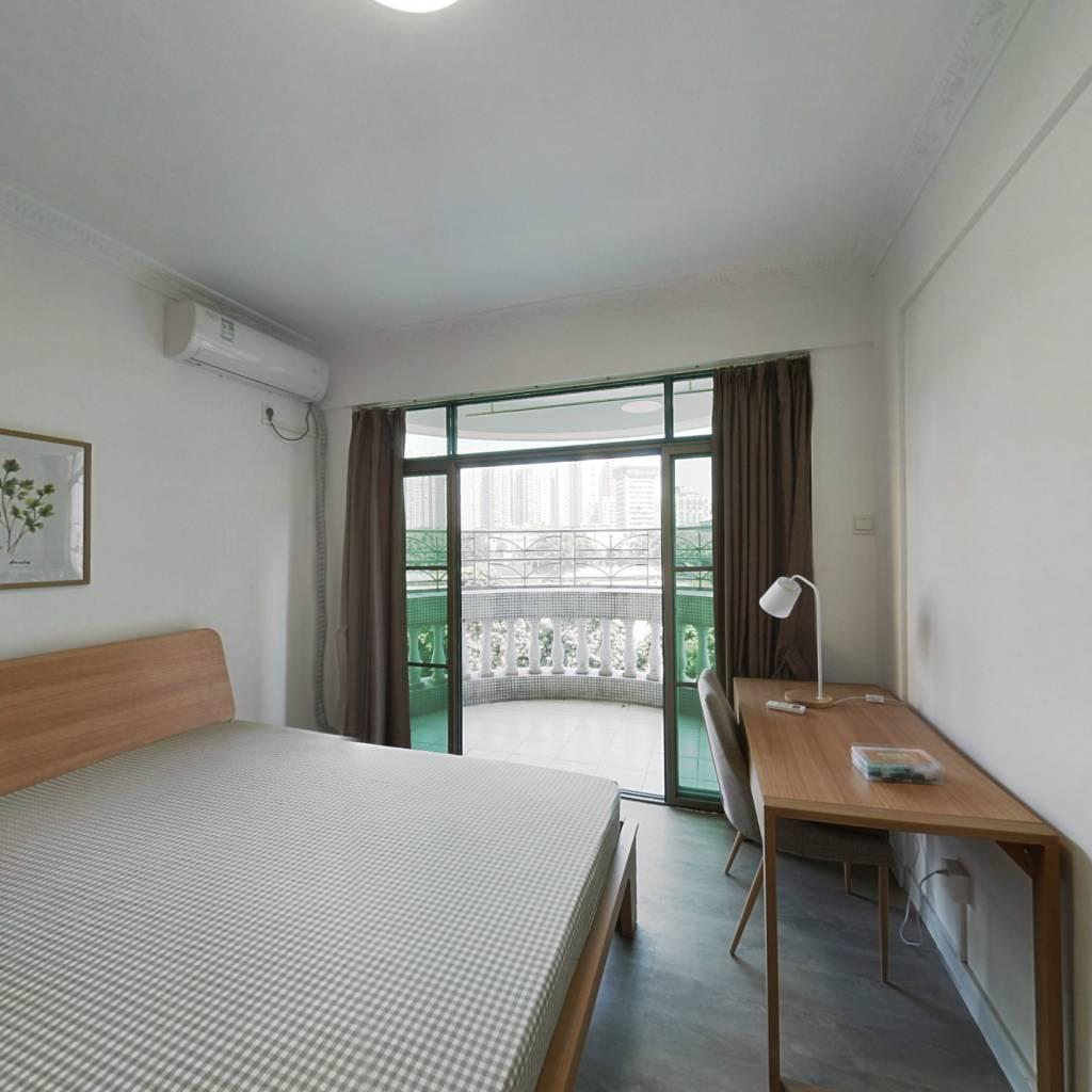合租·云景花园云桦苑 4室1厅 西卧室图