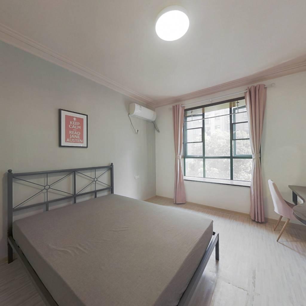 合租·名都花园 3室1厅 南卧室图