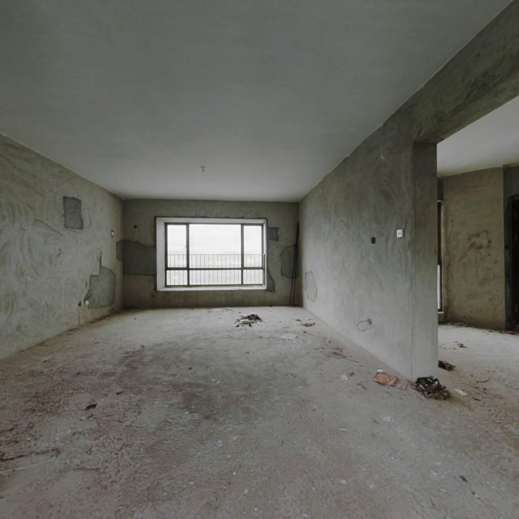 平沙西海岸花园大户型中楼层毛坯四房满五唯一诚心出售