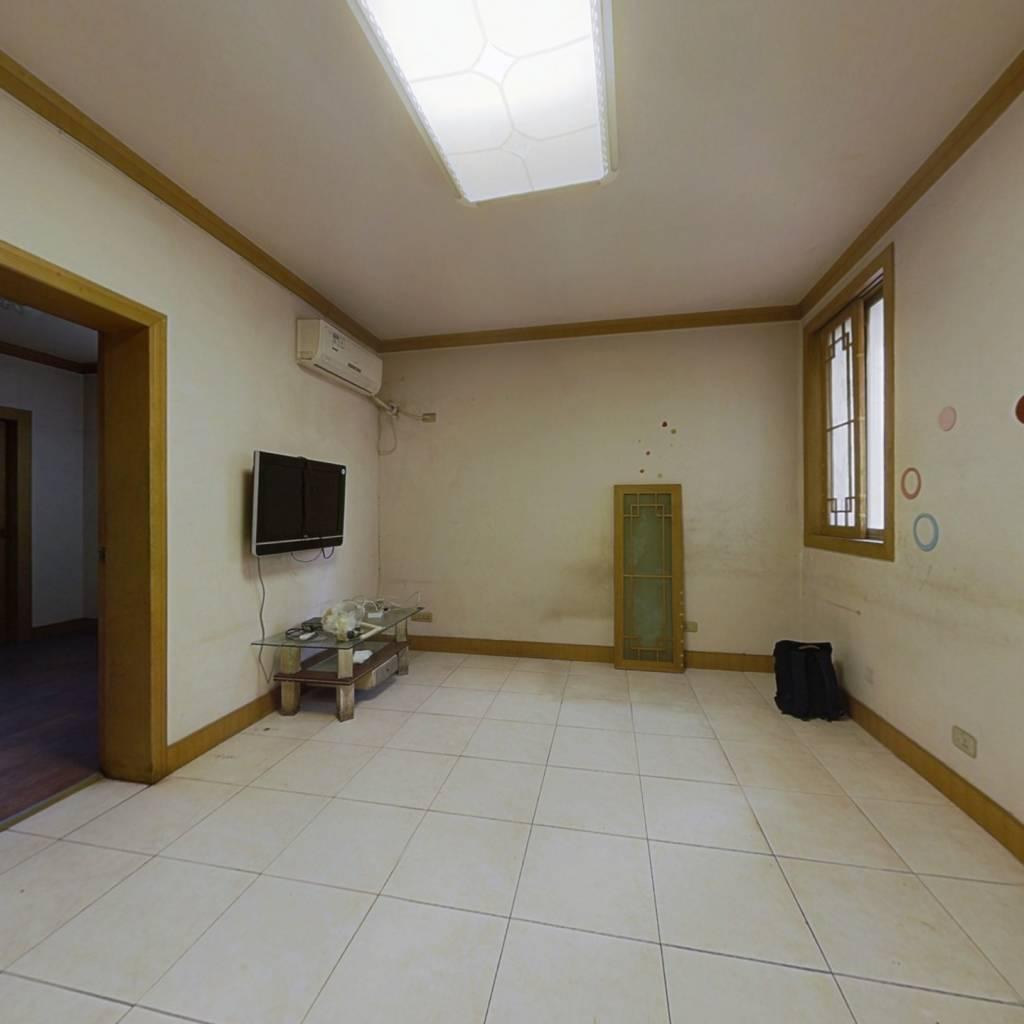 金沙小区 2室1厅 93.8万
