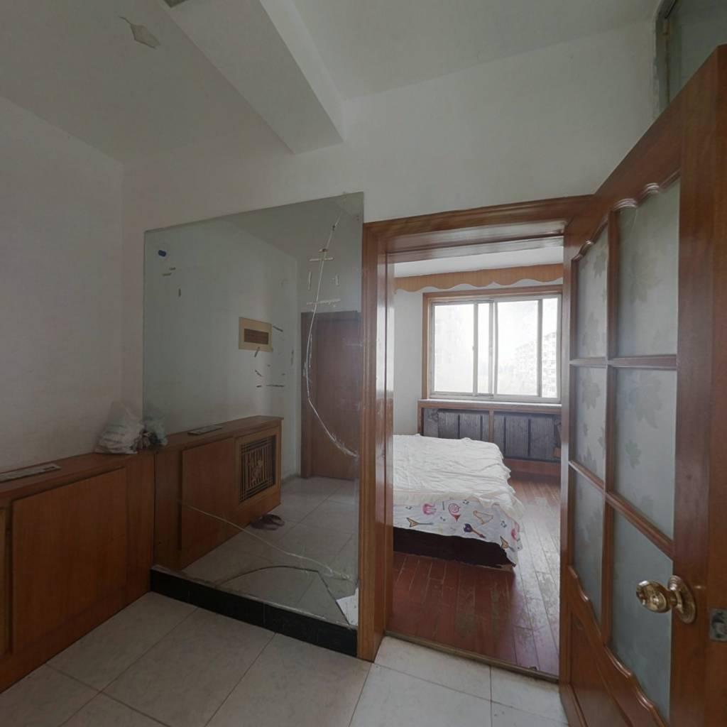 加工厂 市场旁 二室一厅 四楼 有钥匙方便看房