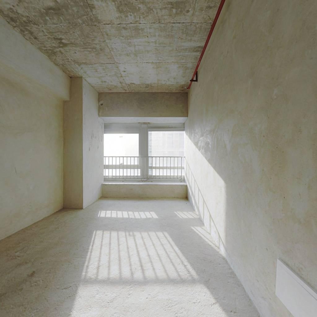中天甜蜜小镇公寓适合年轻人居住,楼层好,采光充足