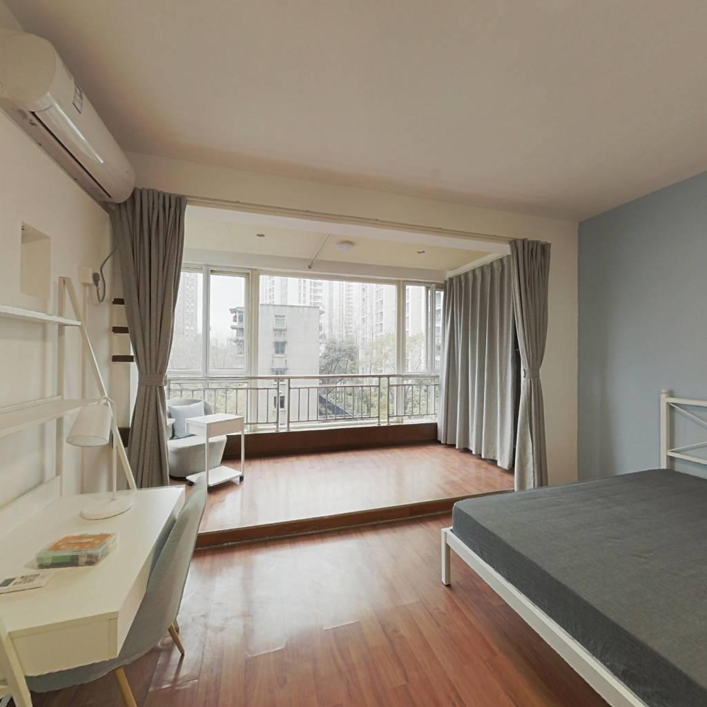 合租·朝阳名宅 3室1厅 西卧室图