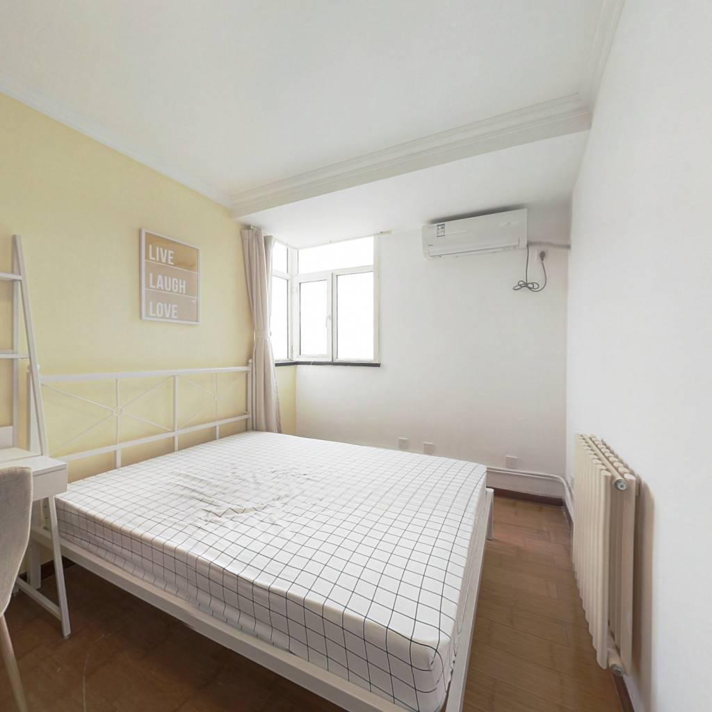 合租·西引力 3室1厅 南卧室图