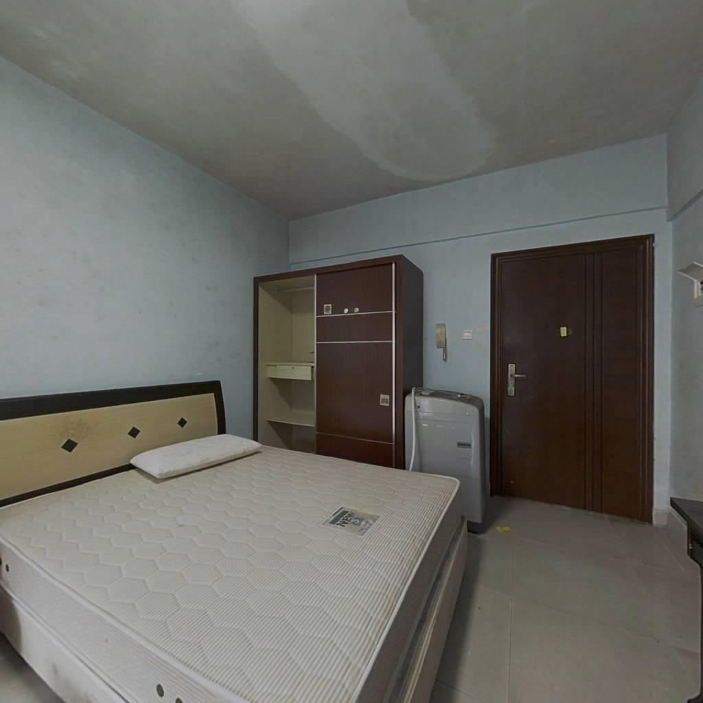 金领公寓 一室一厅  采光好  交通便利