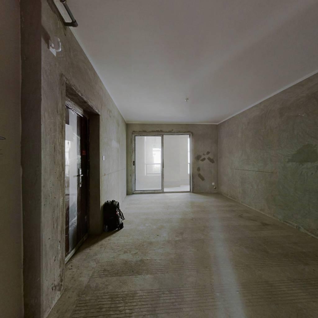 滨江新城优质洋房,三室两厅,清水方正户型