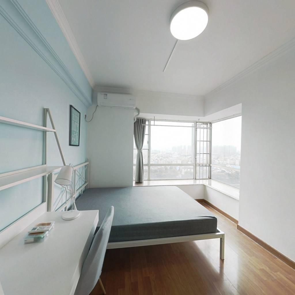 合租·富力半岛花园 5室1厅 北卧室图