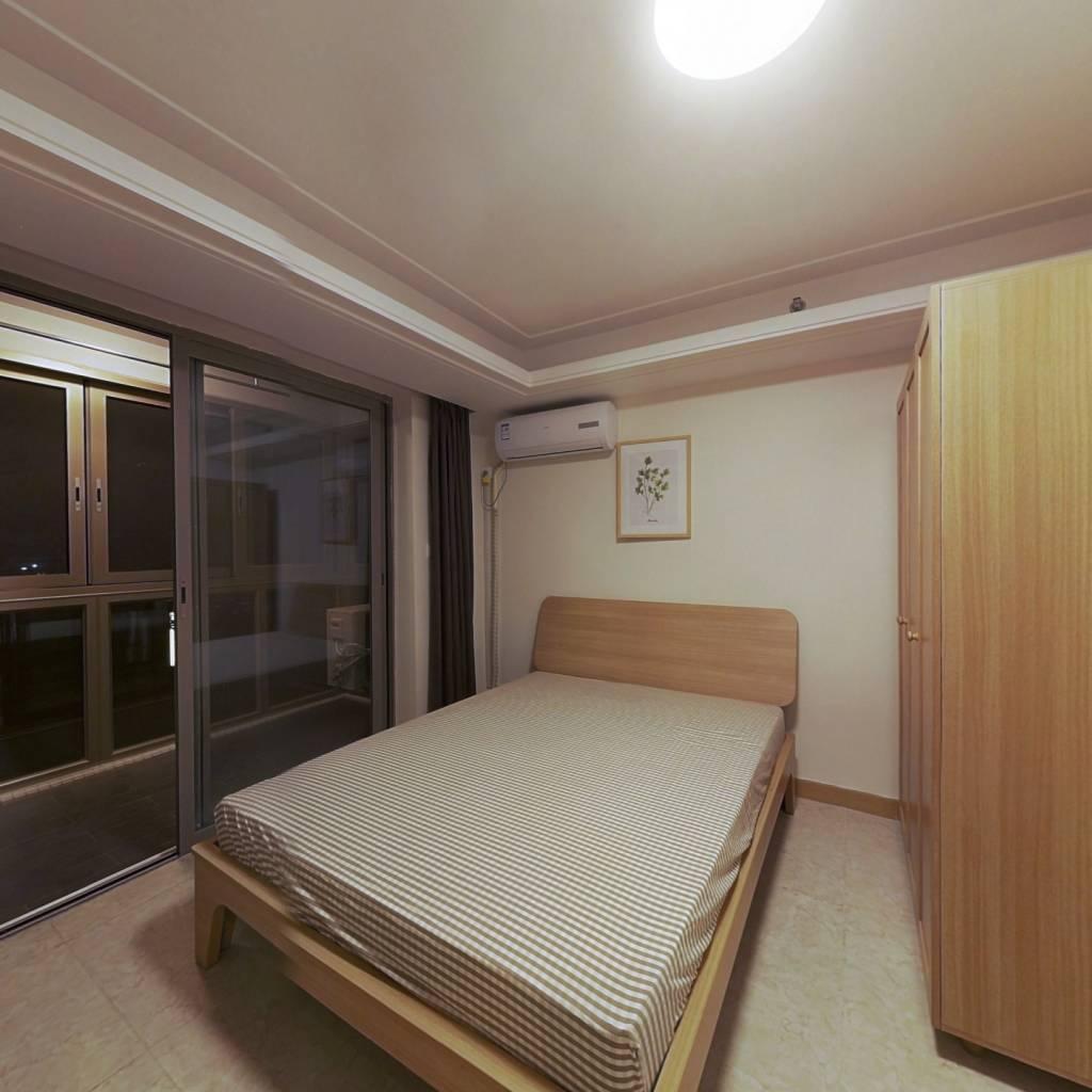 合租·时代新世界 5室1厅 南卧室图