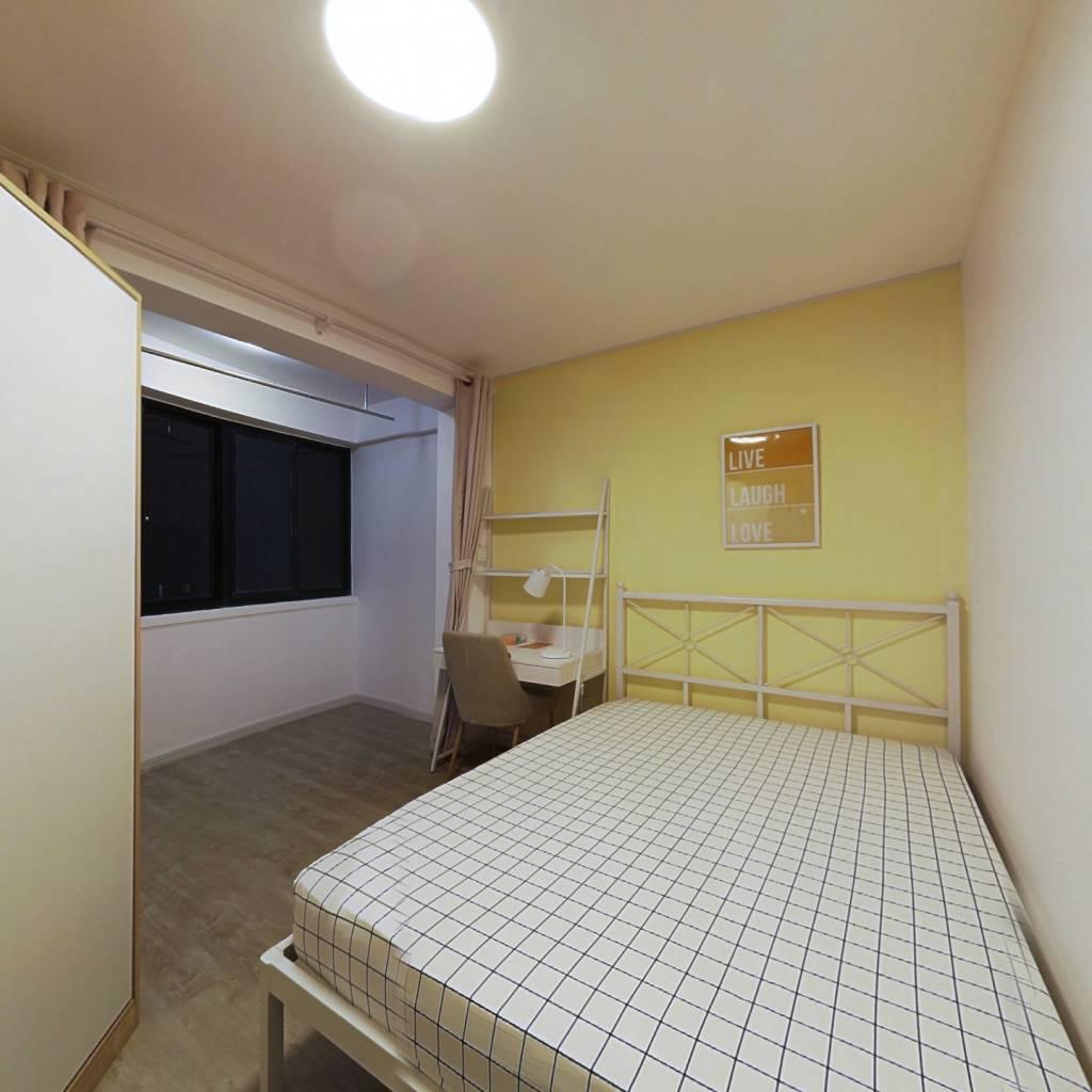 合租·民苑小区 3室1厅 南卧室图