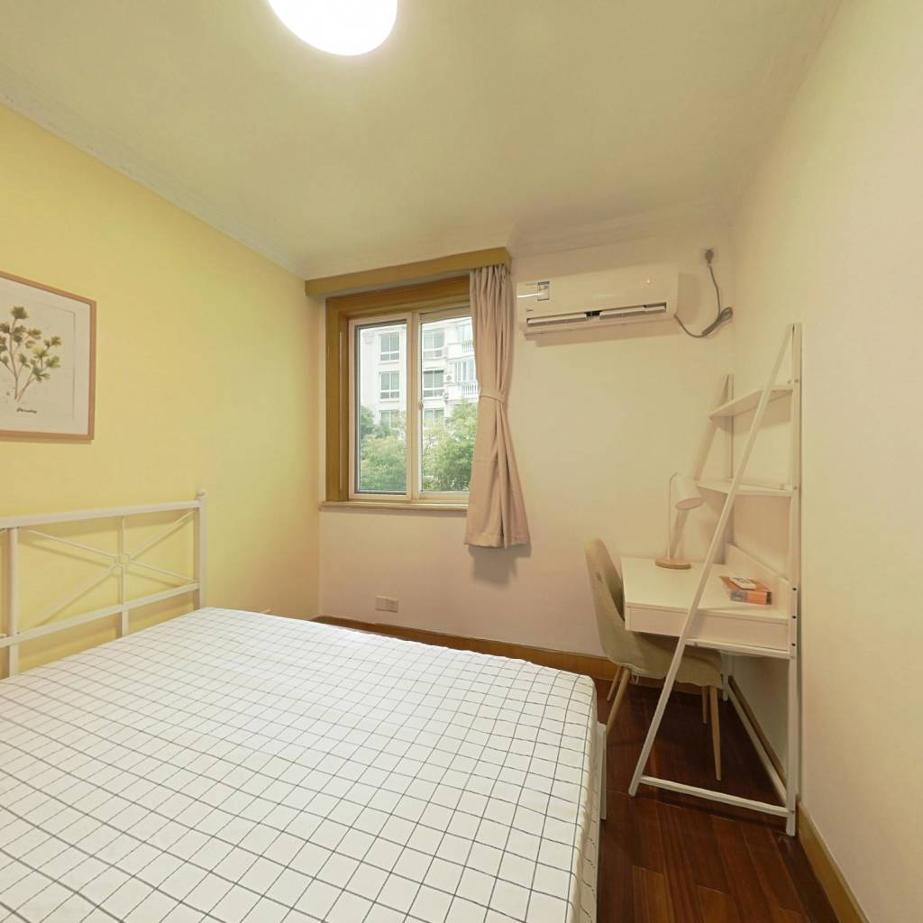 合租·明日新苑 3室1厅 南卧室图