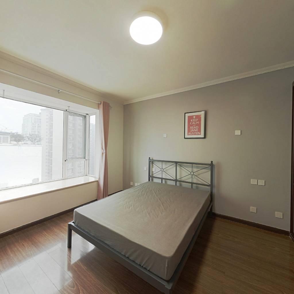 合租·听城 4室1厅 南卧室图
