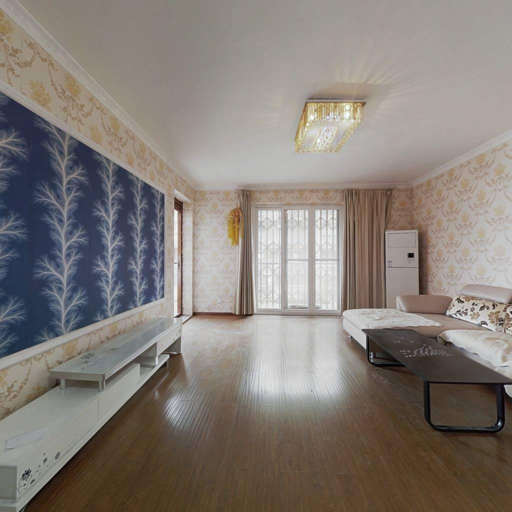 香樟林小区3室2厅精装修带家具家电