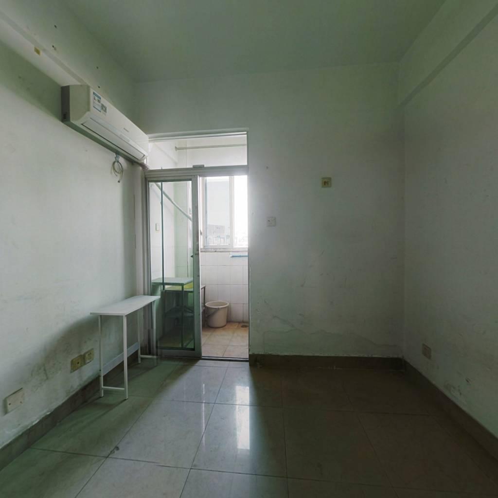 诚心出售  启点公寓精致小单房  带电梯