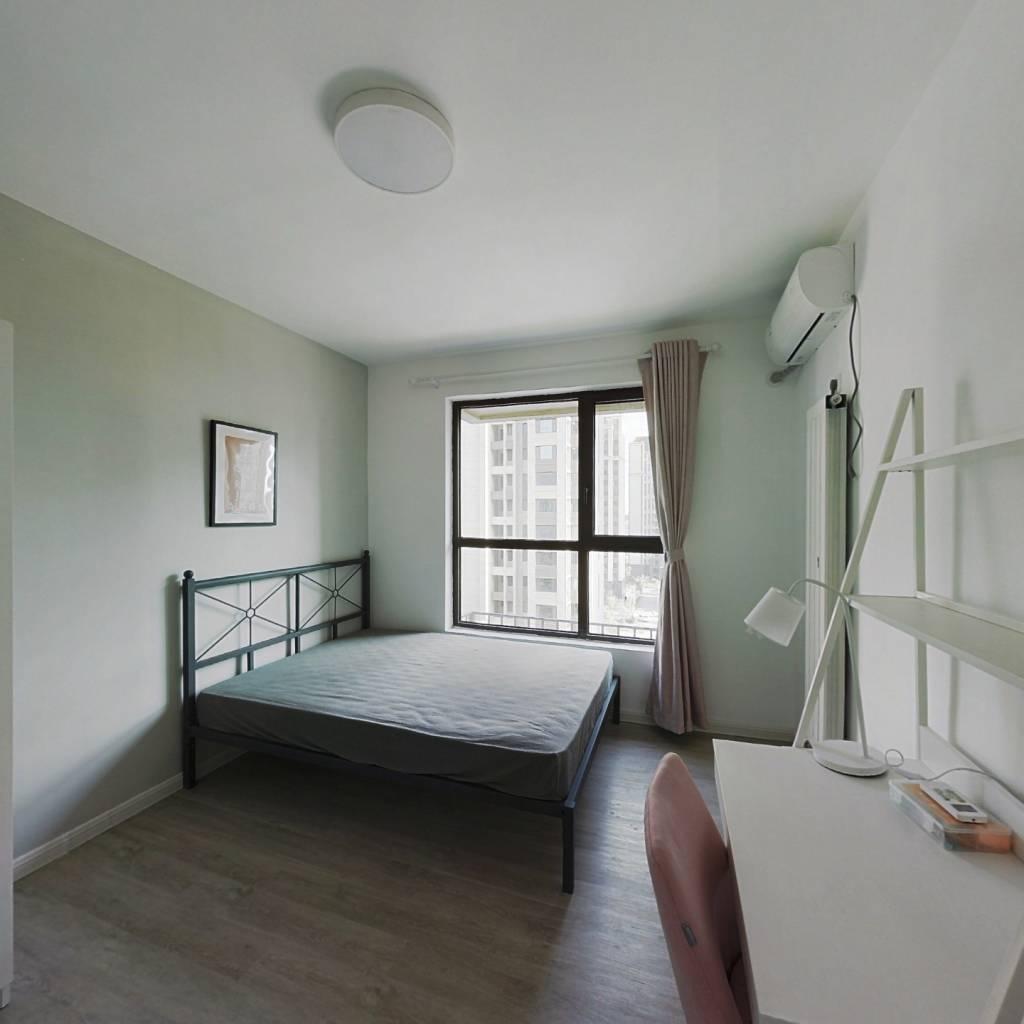 合租·海上国际城 4室1厅 南卧室图
