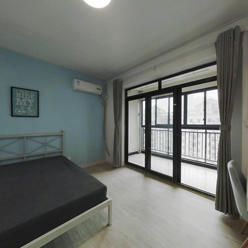合租·金融街壹号 5室1厅 北卧室图