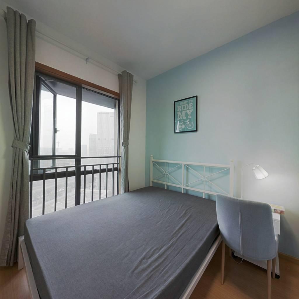 合租·皇后国际 3室1厅 南卧室图