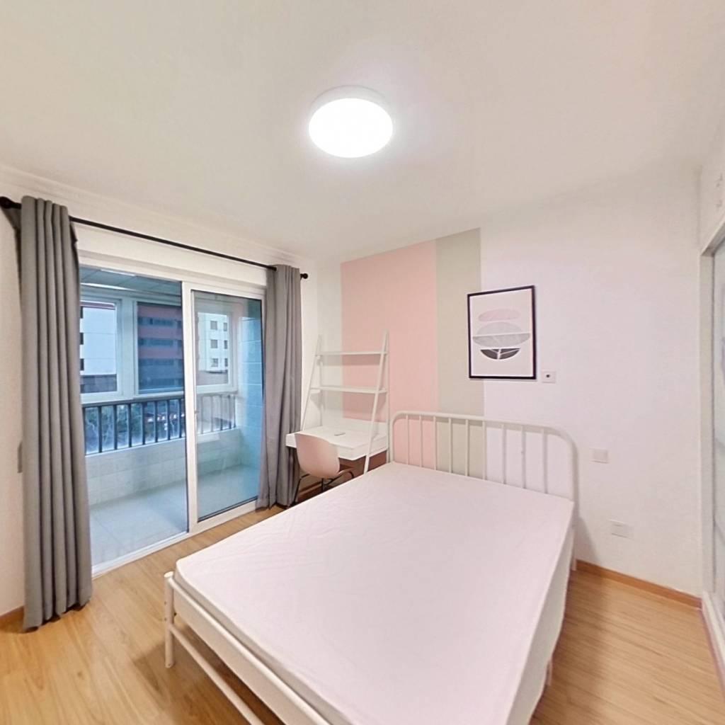 合租·龙西新寓 4室1厅 南卧室图
