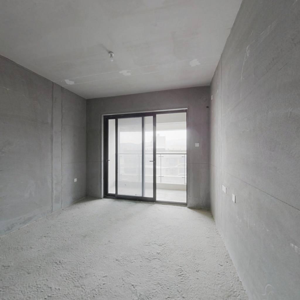 华发悦府 3室1厅 东南
