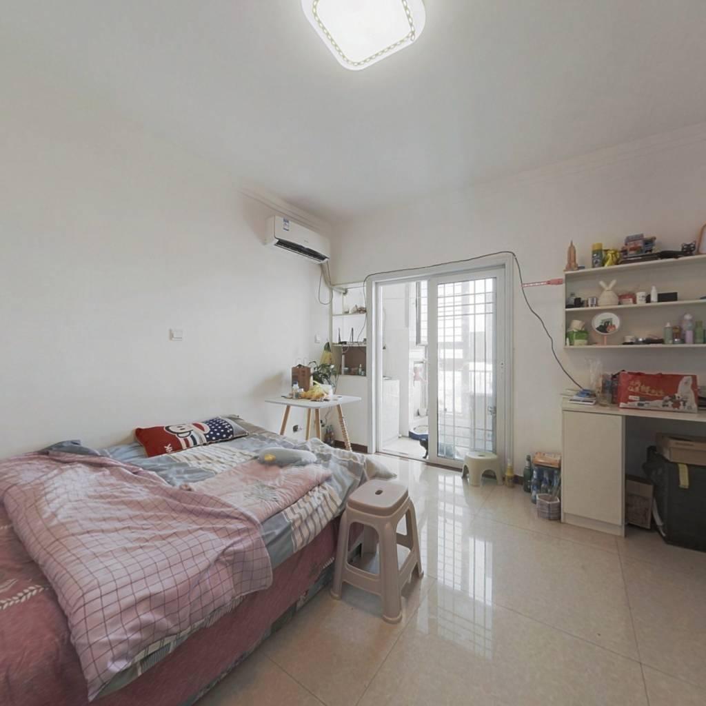 豪德城小公寓 简单装修 楼层好 户型方正