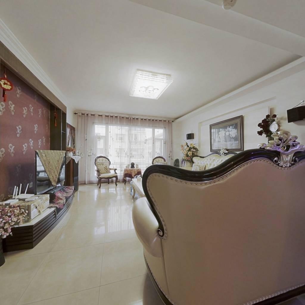 优质小区中间楼层精装修业主诚心出售
