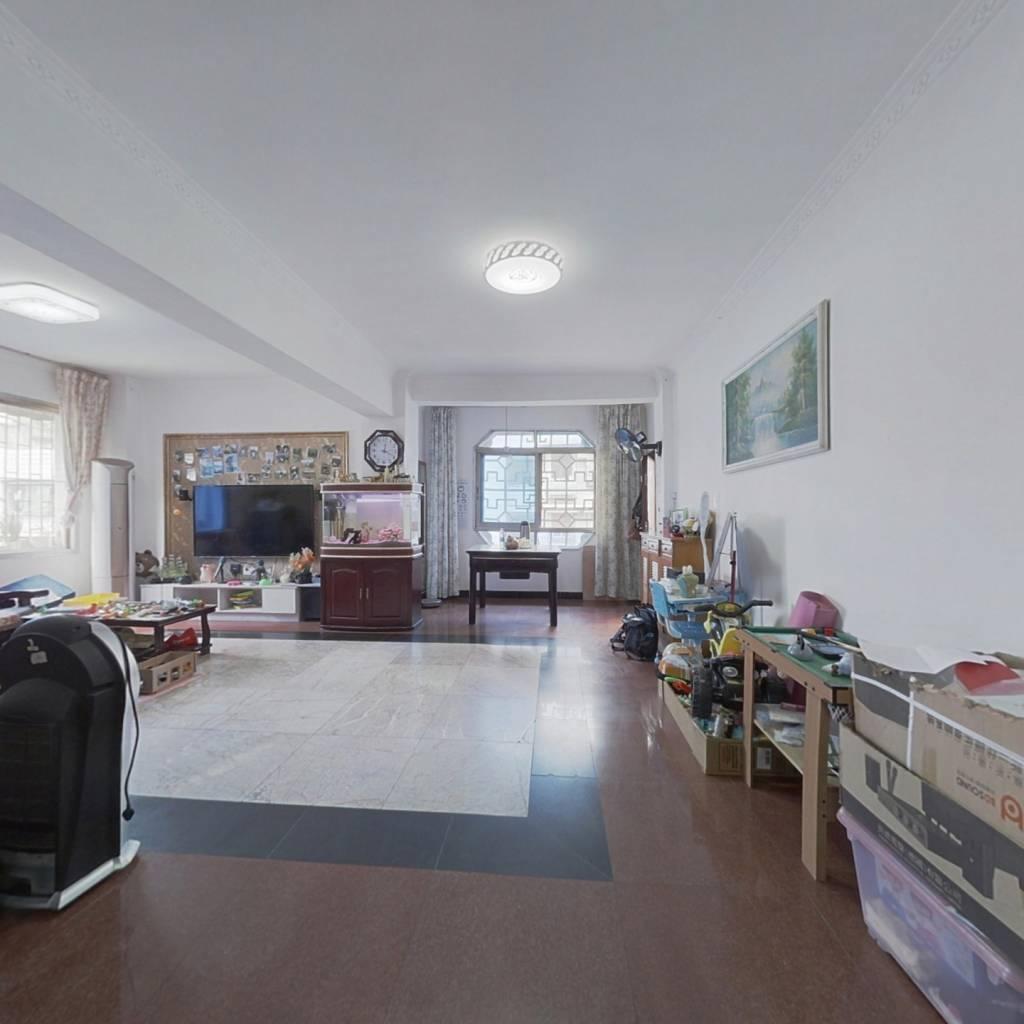 三室两厅一厨两卫,平街上6楼,业主诚心出售
