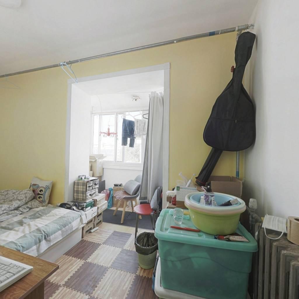 安华西里小两居,方正户型,随时签约。