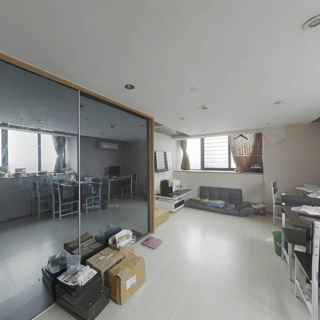 明海公寓 楼层很好  中间套户型,采光充足