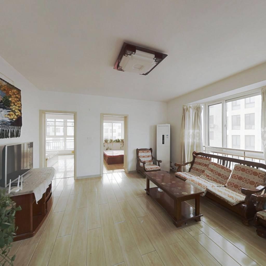 海市初中旁边正大怡景,顶加阁户型外置楼梯诚意出售。